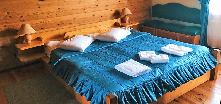 От 3 дней отдыха зимой с питанием в отеле «Смерекова Хата» в Славском